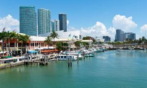 Sehenswuerdigkeit-Miami-Bayside-Marketplace--1600x960