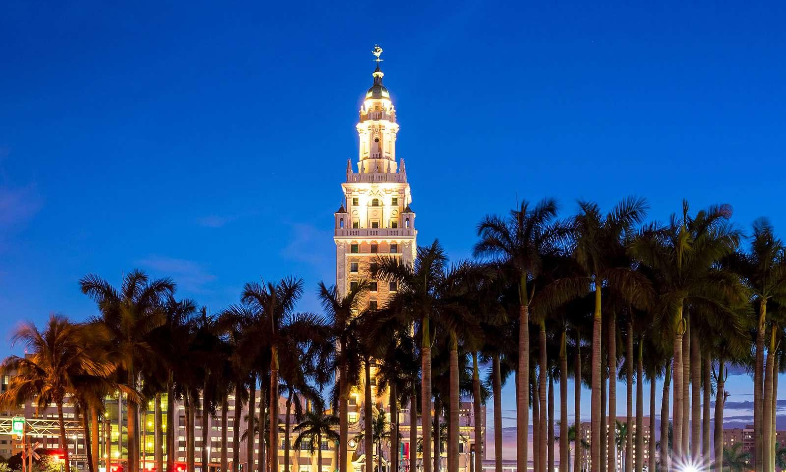 Downtown_Miami-freedom-tower